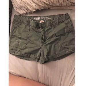 Cargo green shorts